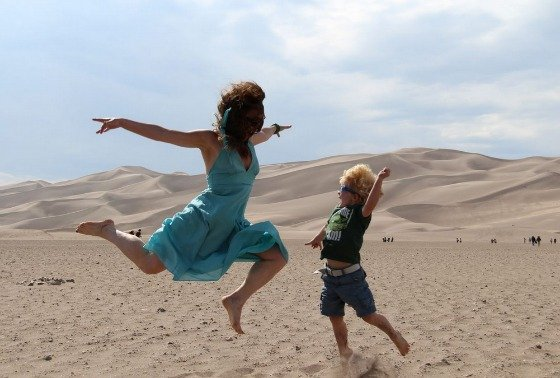 sand-dunes-jumping-560w